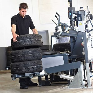 Wheel trolley - tyre changer 2.jpg